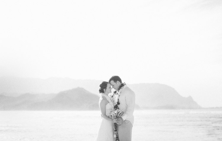kauai-hanalei-bay-wedding-rubio-14